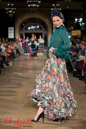 traje flamenca tacones